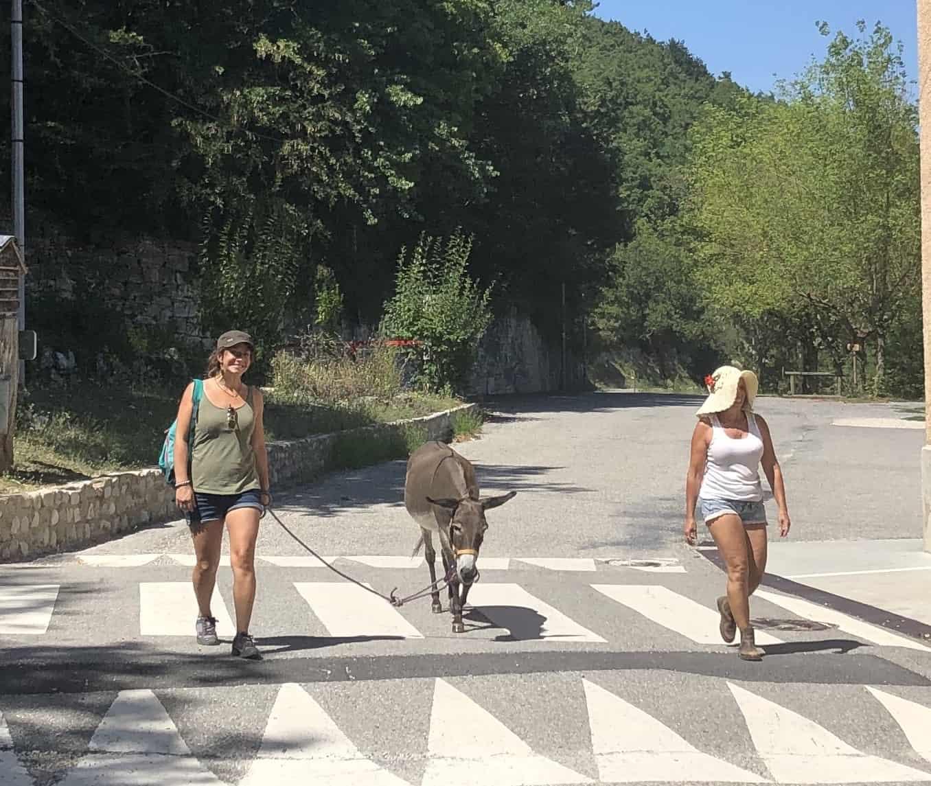 Trois Miss : Mélanie , Mistinguette et Anna